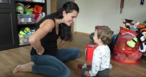 Bindungsspiele: Machtumkehrspiel am Beispiel sehr junger Kinder
